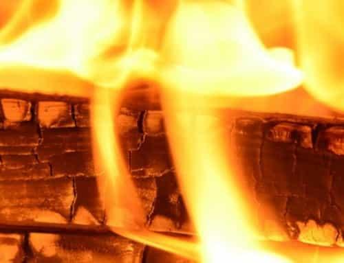 Habillage de poêles et cheminées en bois signés AGEMI